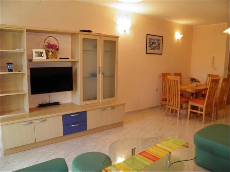Holiday home 170838 - Holiday apartment 182178, vacation rental in Batomalj