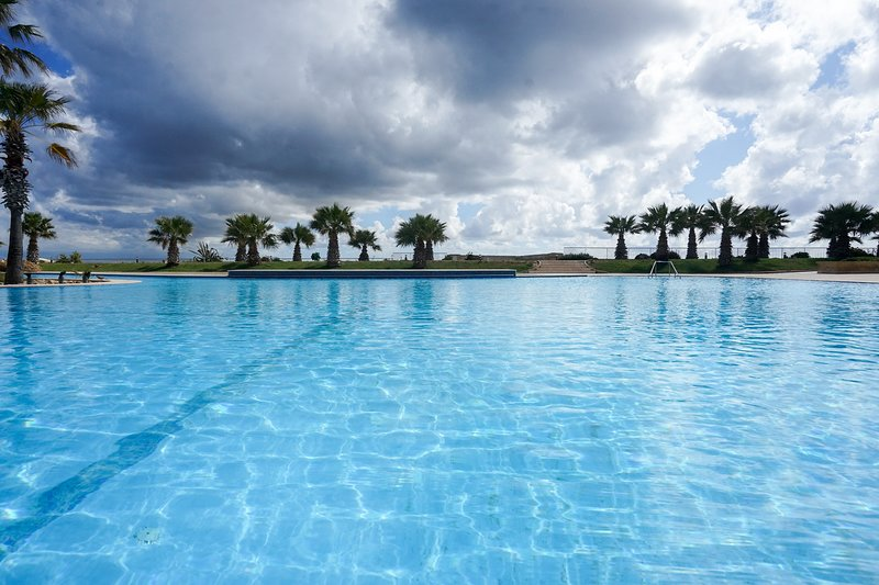 GetawayNPetto, Duplex private holiday home in an amazing location, holiday rental in Ghajnsielem