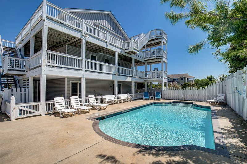 Villa Del Sol | 1190 ft from the beach | Dog Friendly, Private Pool, Hot Tub | C, holiday rental in Corolla