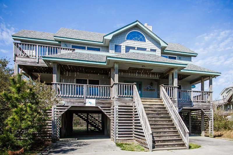 Margaritaville | 835 ft from the beach | Dog Friendly, Hot Tub | Corolla, location de vacances à Corolle