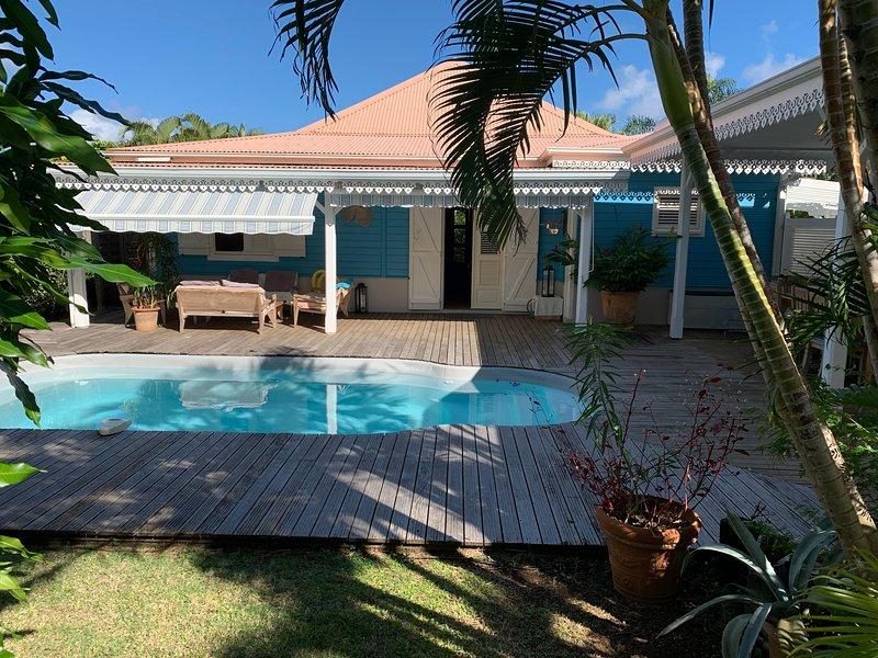 Villa La Créole Bleue avec piscine & jardin privés, vacation rental in Sainte-Anne