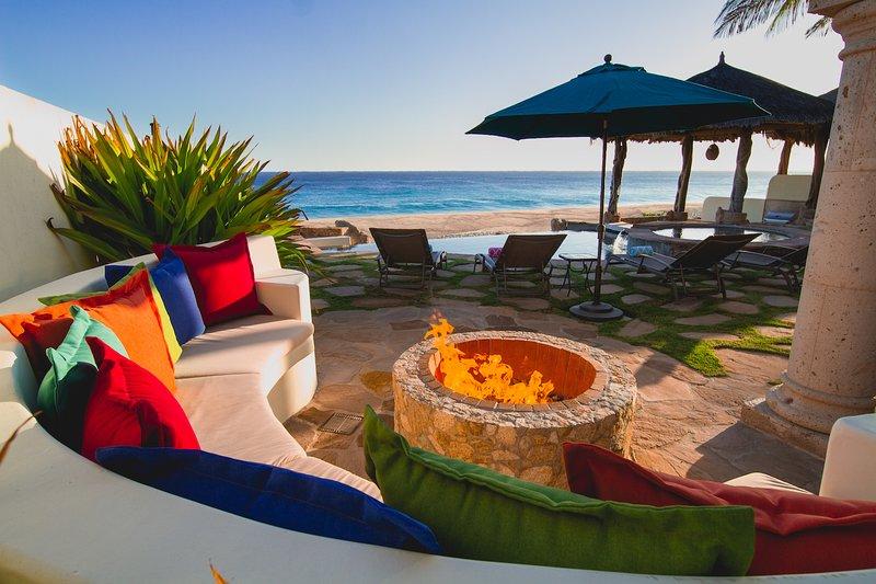 Stunning 4BD Beachfront House, vacation rental in Boca de la Vinorama