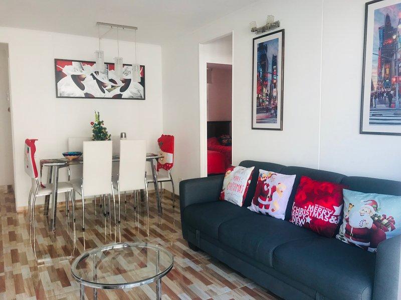 Cosmopolita Rojo Wi-Fi 6 personas a pasos del Mar, vacation rental in La Serena