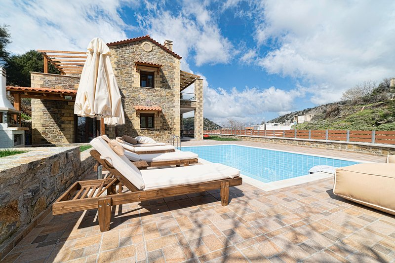 Faraggi Villas, holiday rental in Zoniana