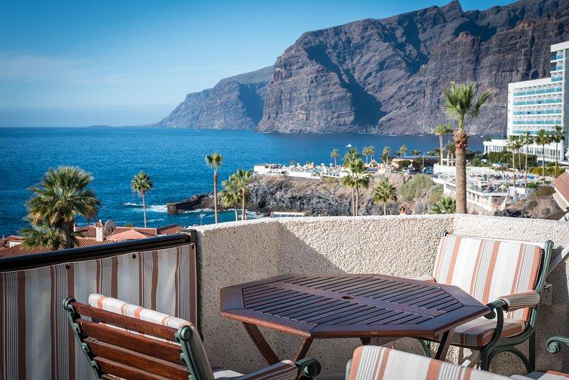 Sunset two bedroom suite, holiday rental in Acantilado de los Gigantes