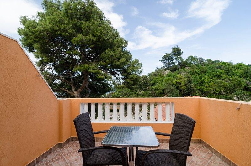 Apartments Vinko Mljet- One-Bedroom Apartment with Terrace, aluguéis de temporada em Sobra