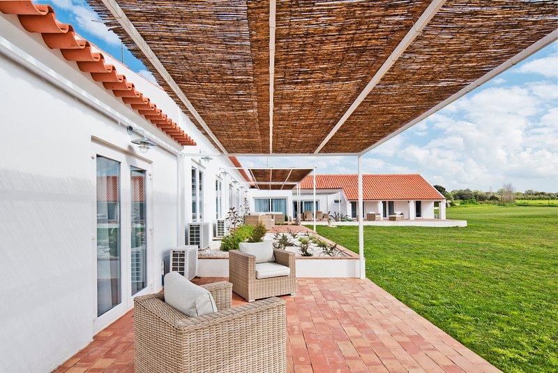 Herdade do Barrocal de Baixo - Casa com 1 quarto, vacation rental in Montemor-o-Novo