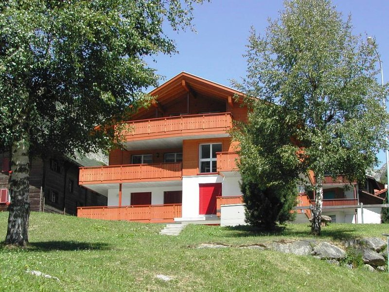Haus Polishet Even, vacation rental in Airolo