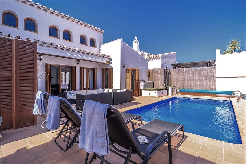 Spacious villa with swimming-pool, vacation rental in Murcia