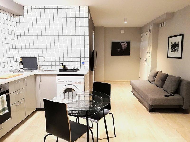 Mazi Apartments Suite, casa vacanza a Argentona