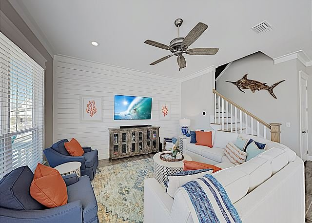 Pristine Park's Edge New-Build Home with 6 Smart TVs, Pool & Gulf Access, alquiler de vacaciones en Orange Beach
