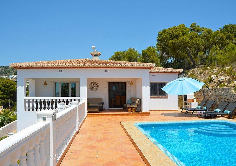 Feel at home at Villa Colina: quiet location, fully equipped, vacation rental in La Llobella
