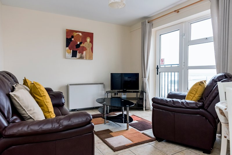 Marine Court sea view apartment, vacation rental in Ballyshannon