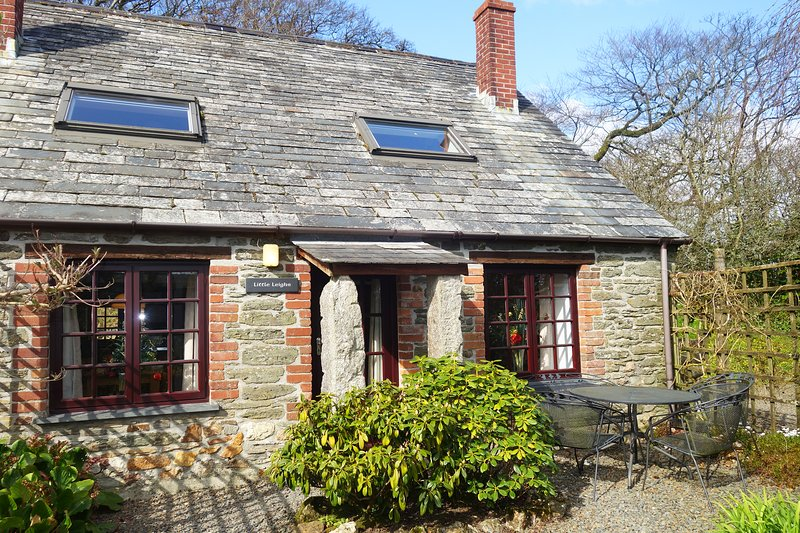 Little Leighs Cottage at Trenannick Farm, vacation rental in Crackington Haven