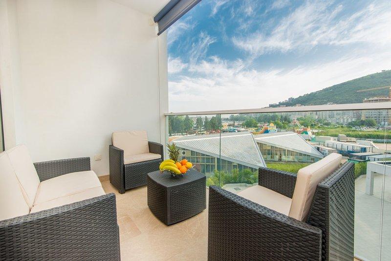 Ambient Lux apartment Tre Canne (sea view), alquiler de vacaciones en Budva
