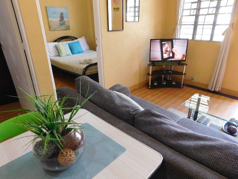 ⍟ BEST VALUE 2 ⍟ Fast WiFi ⋅ Kitchen ⋅ Garden, vacation rental in Angeles City