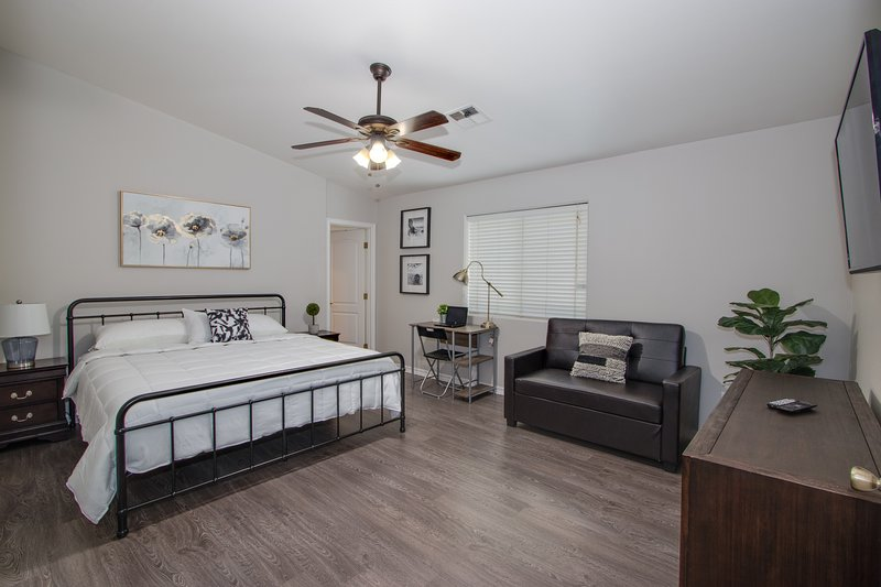 Relax clean and cozy home, vacation rental in North Las Vegas