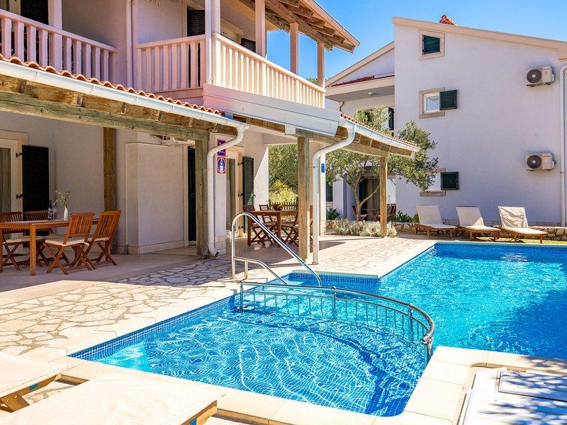 Pavica 2, vacation rental in Mundanije