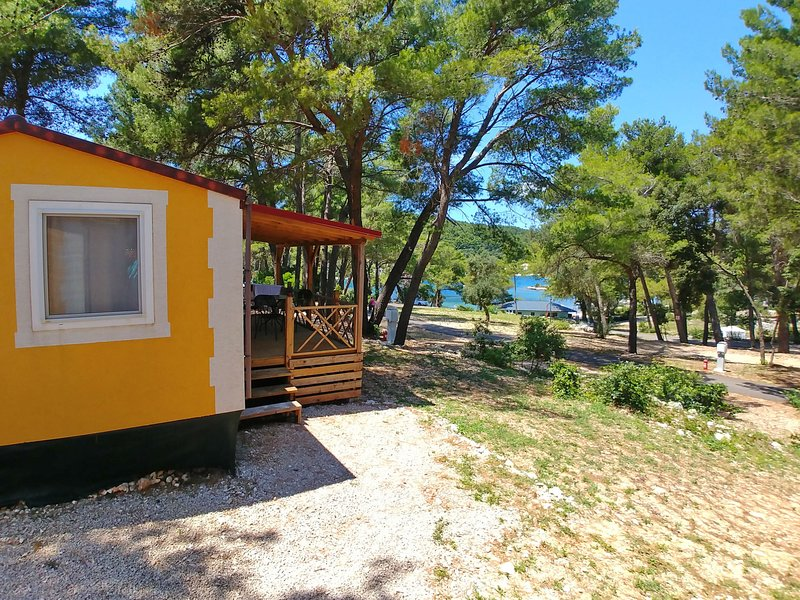 Camping Port 9 ***, holiday rental in Zrnovo