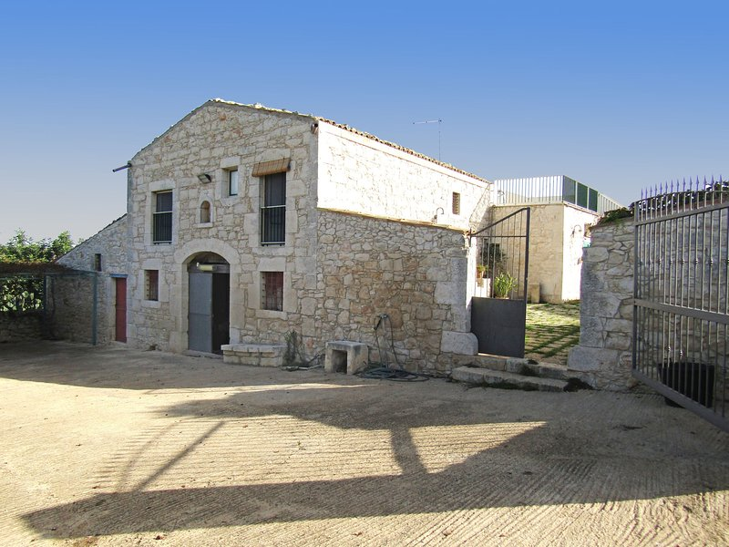 Country House Licitra, vacation rental in Donnafugata