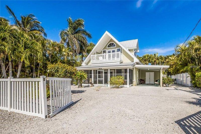 5621 GULF DRIVE, holiday rental in Holmes Beach