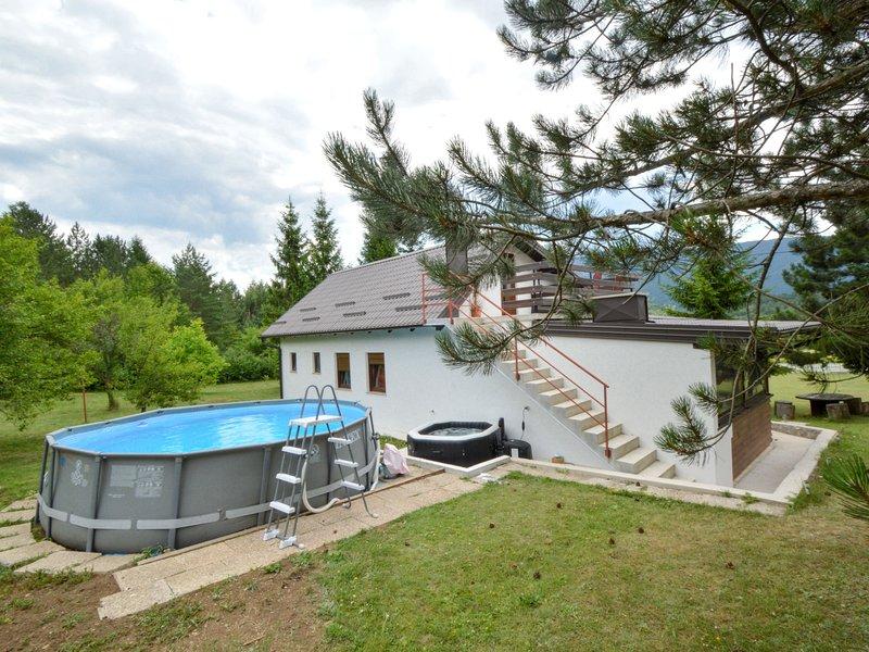 Patrik, vacation rental in Vrelo Korenicko