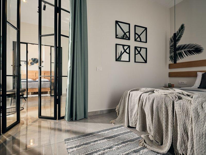 Bella Vista Apartments - 2 Bedroom Apartment, vacation rental in Bochali