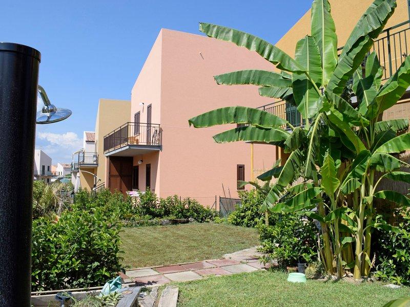 Centopini village, holiday rental in Campofelice di Roccella