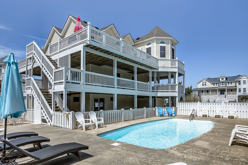 Sea Girls and A Guy | 890 ft to the beach | Private Pool, Hot Tub | Corolla, vakantiewoning in Corolla