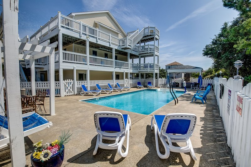 Surfin' USA | 1250 ft from the Beach | Private Pool, Hot Tub | Corolla, vakantiewoning in Corolla
