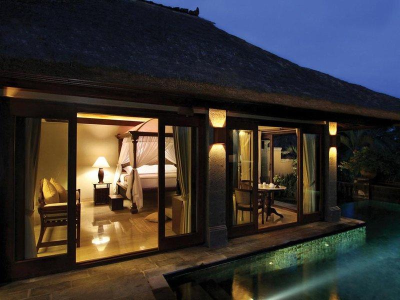 1 BR Garden Pool Villa - Bfast W/Awesome Place For Couple (k55), alquiler vacacional en Melayang
