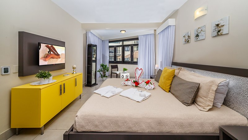Lifestyle Resort/Spa in Puerto Plata *ROYAL SUITES 1-2 BEDROOM*, Ferienwohnung in Luperon