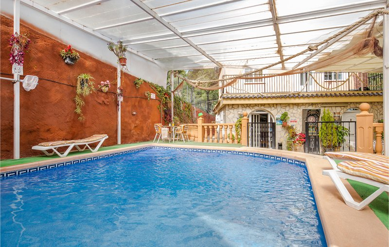 Amazing home in Totana with Jacuzzi, Outdoor swimming pool and 5 Bedrooms (ECC80, holiday rental in Aledo