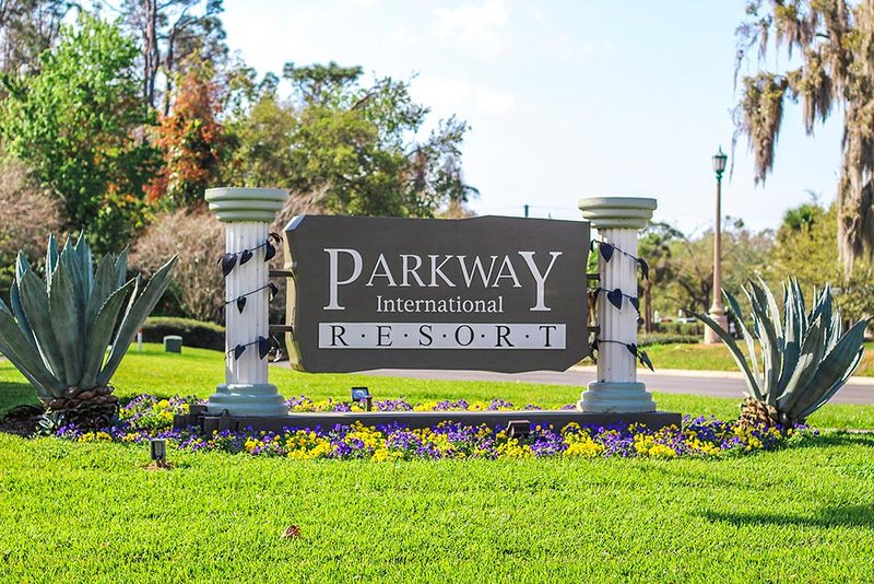 Parkway Entrance
