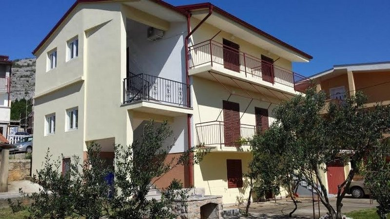 Sunny  - sea side terrace & parking: A2(6+1) - Starigrad-Paklenica, alquiler vacacional en Starigrad-Paklenica
