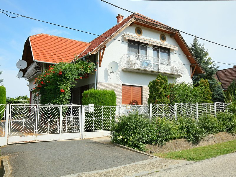 Balaton A2091, holiday rental in Balatonszemes