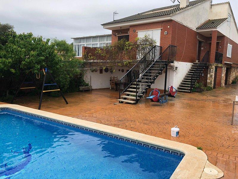 Casa Familia Cuevas. Xalet pareado con piscina privada en Altafulla Nord, holiday rental in La Riera de Gaia