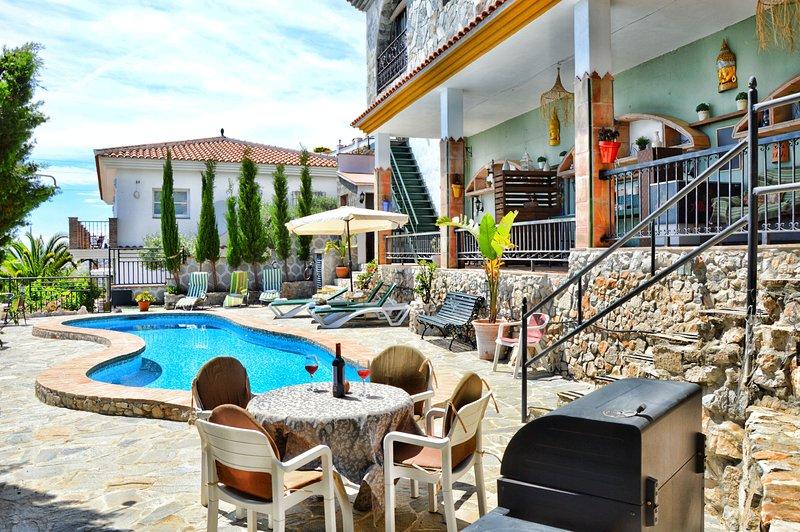 Apartamento Rural Reina. Piscina y preciosas vistas, holiday rental in Archez