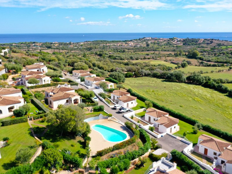 Belpoggio (BUD600), vacation rental in Tanaunella