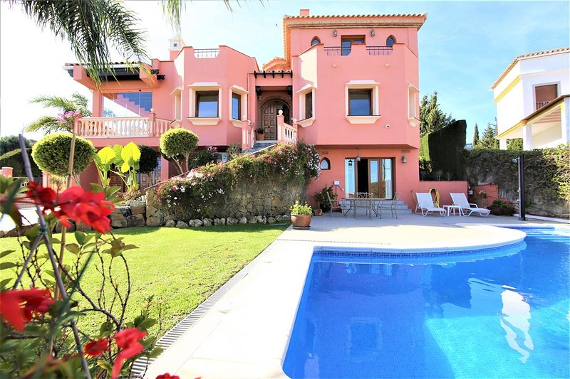 Villa MYA, holiday rental in Casares del Sol