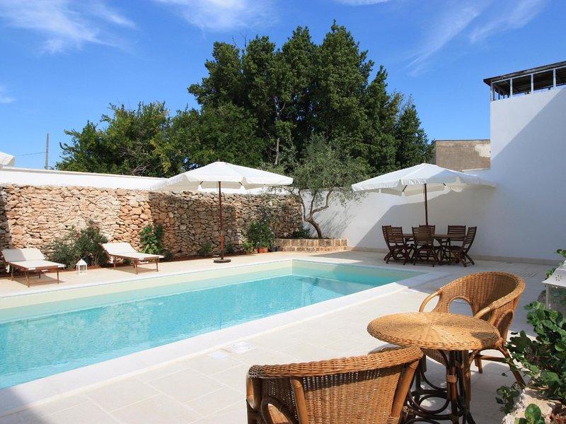 Faber courtyard LE*****************, location de vacances à Felline