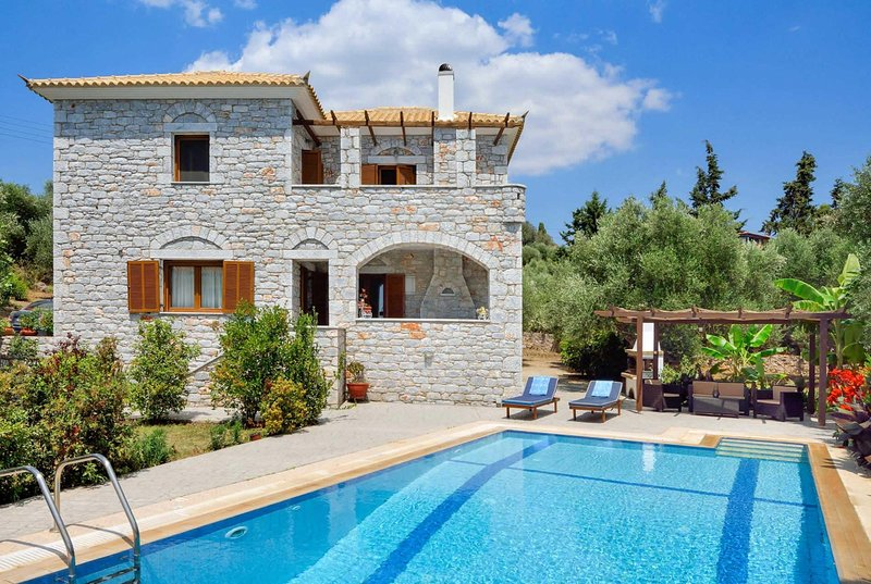traditional villa with great outdoor living, holiday rental in Tapia
