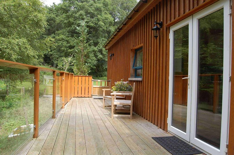 Waterfall Lodge - a secluded tranquil retreat, location de vacances à Loch Tay