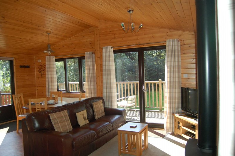 Luxury Woodland Alder Lodge, location de vacances à Loch Tay