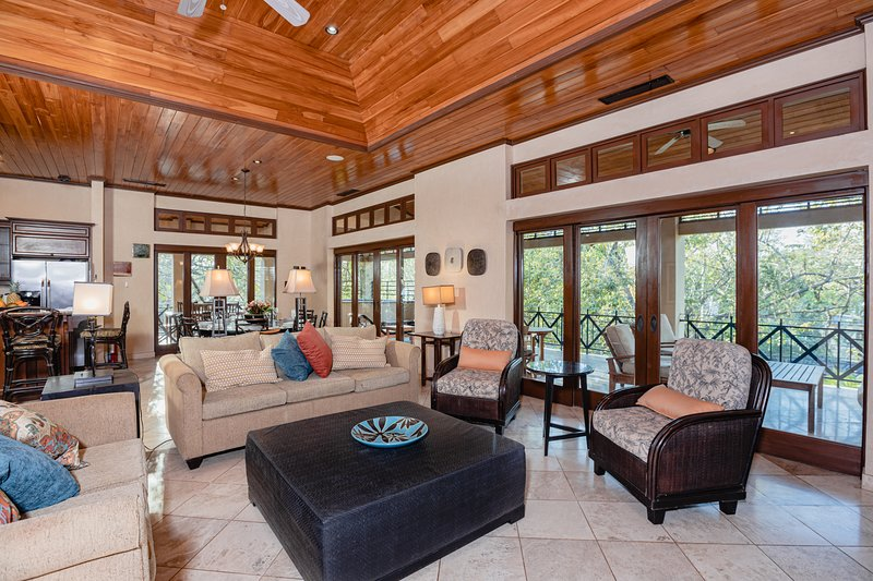 Wide living room to share with the whole family!