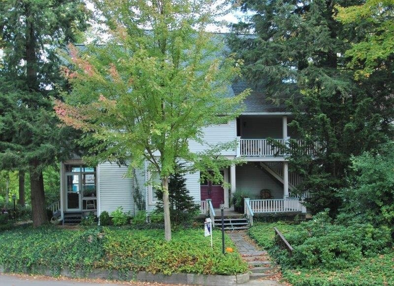 Yale Cottage #3, holiday rental in Dewittville