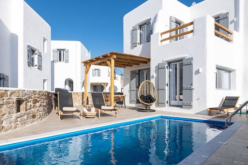 Black Villa - Naxian Sunset Villas complex - Private Pool, holiday rental in Glinado