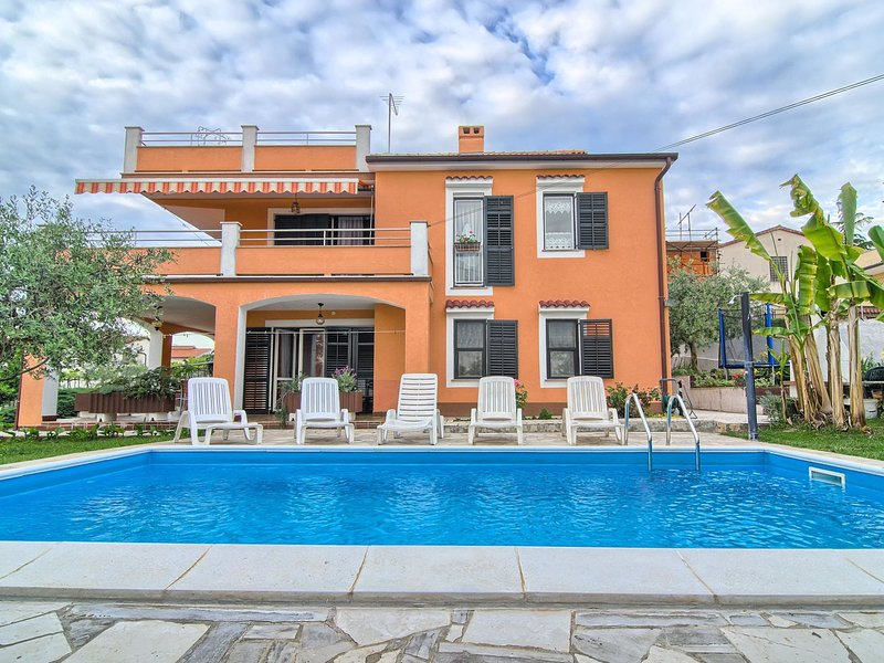 HOUSE MARE, location de vacances à Stinjan