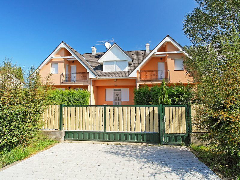 Balaton H2053, holiday rental in Balatonfoldvar