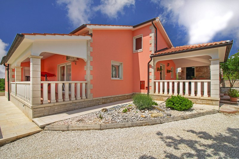Holiday House Linda, holiday rental in Zabrezani